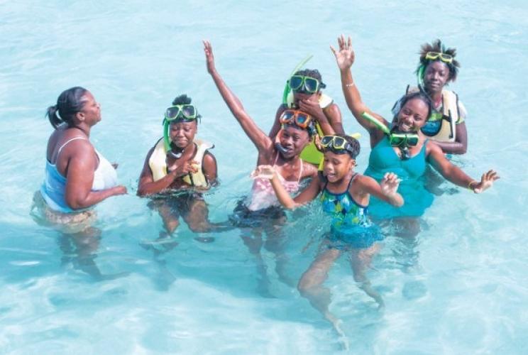 Stingray City Welcomes Sunshine Girls