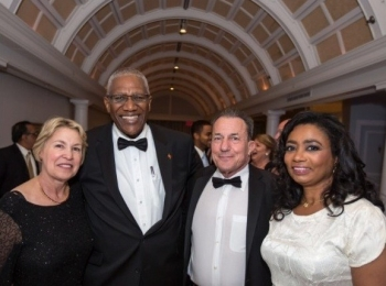 Gala and Auction Mobilizes Support